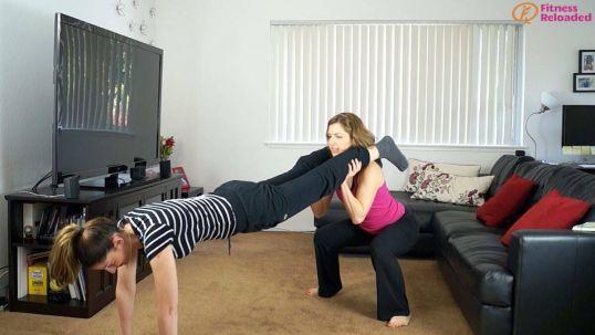partner workout routine - plank squat